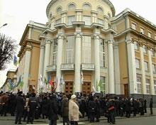 Вінницький губернатор вийшов до мітингу «Переоблік влади»