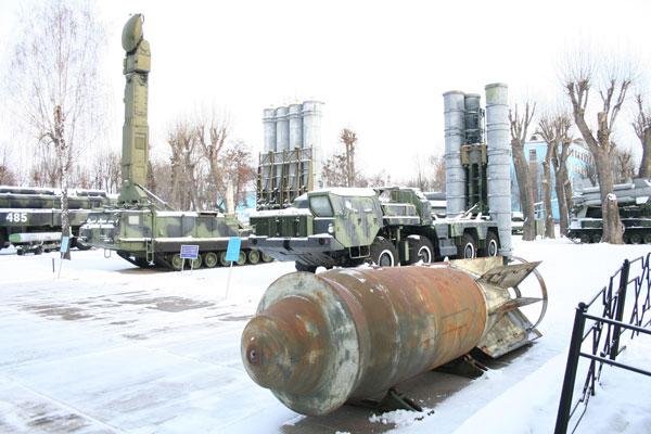 Найбільшу радянську авіабомбу вагою 9 тонн привезли у вінницький музей