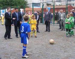 У мікрорайоні Слов'янка відновлено спортивний майданчик