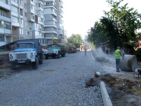 Нові дороги, які будуватимуть у Вінниці, проектуватимуть із зливовими каналізаціями.