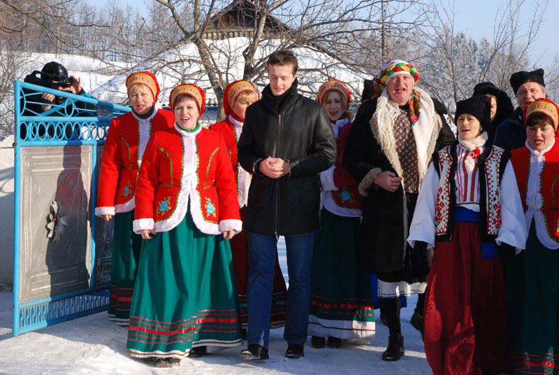 Олексій Порошенко разом із колядниками у Бершадському районі
