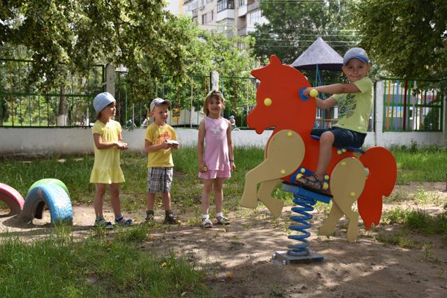 Майже півтори сотні ігрових елементів з'являться в цьому році у шести дитячих садках міста