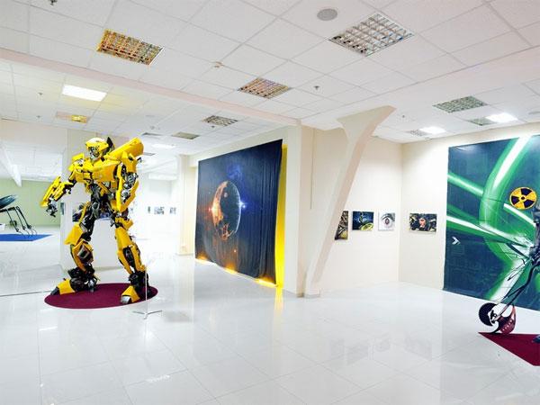 виставка трансформерів Мегамолл