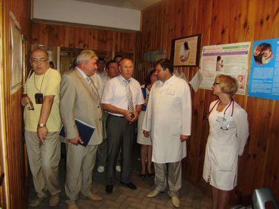 Микола Джига в Бершадському районі познайомлюється з роботою усіх відділень лікарні