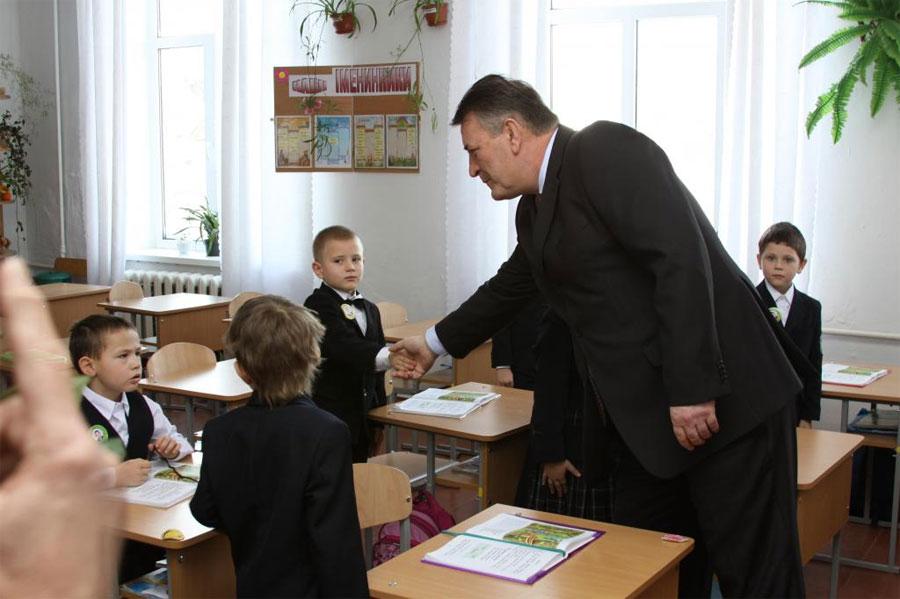 Генерал Русин привітав дітей з святом Миколая