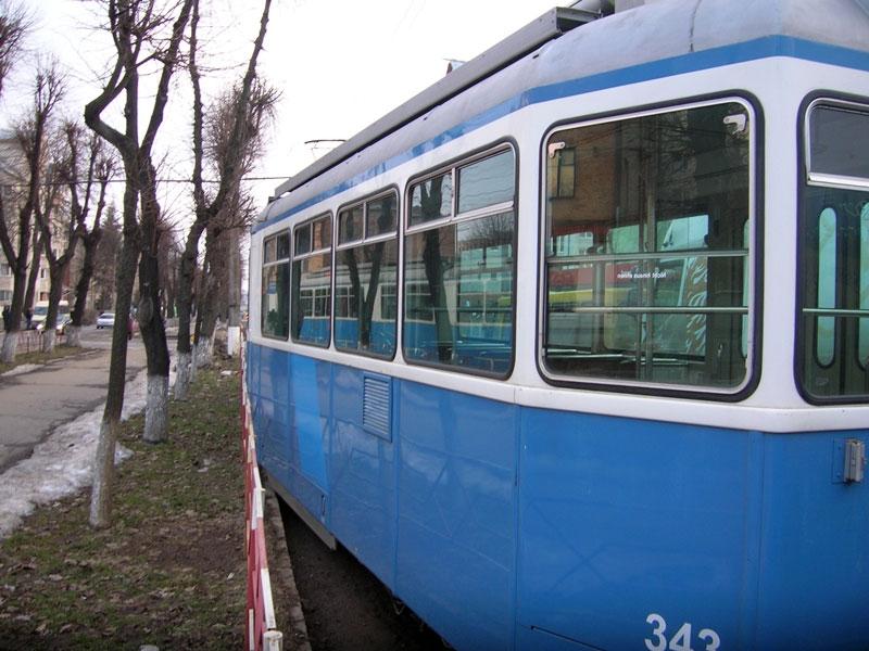 трамвай зійшов з рейок