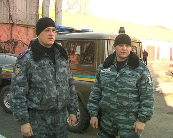 працівники роти міліції особливого призначення «Беркут» Володимир Гадецький та Віталій Погорілий