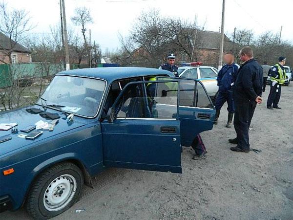 Щоб зупинити автівку з п'яним водієм даішнику довелося стріляти