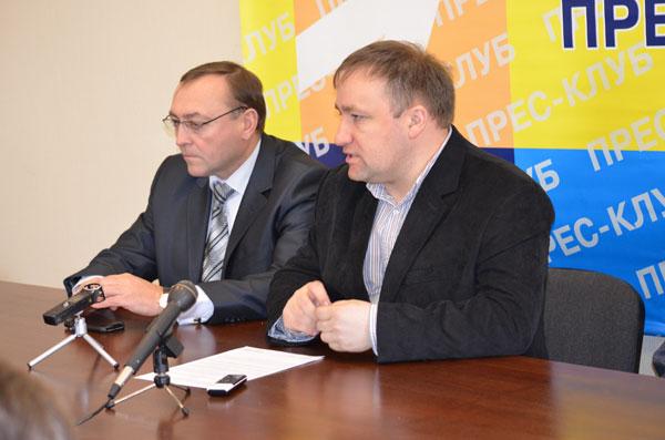 Олег Левченко, Валерій Коровій