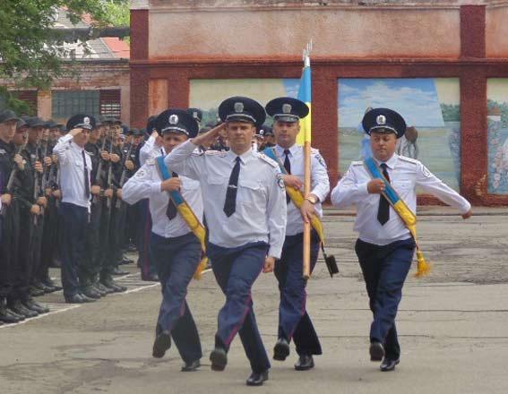 Сімдесят вінницьких юнаків поповнили лави військовослужбовців внутрішніх військ МВС України