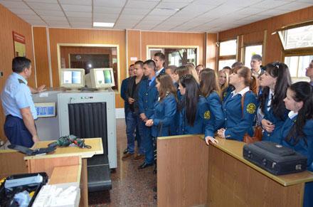 Третьокурсники Аграрного університету проходять у Вінницькій митниці Міндоходів навчально-виробничу практику.