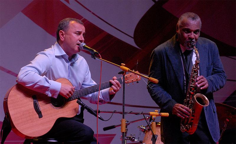 Олександр Домбровський заспівав на Джазовому фестивалі
