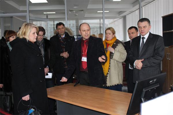 бізнес-делегація та пані Макконен відвідали також «Прозорий офіс» Вінницької міської ради