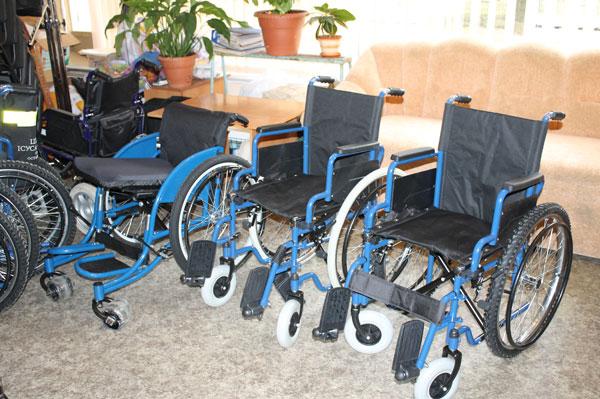 Інвалідні візки для тих, хто так довго на них чекав