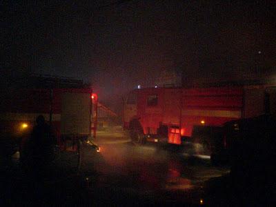 пожежники ліквідовують пожежу по вул. Скалецького