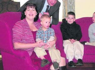 сім'яРоджерс з Вірджинії, яка всиновила двох діток з Вінниці