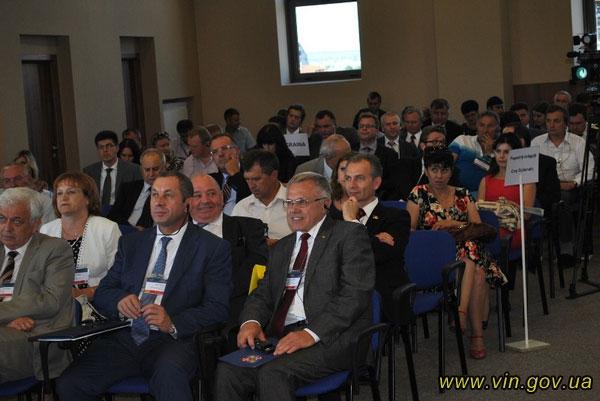 Учасники Транскордонного економічного форуму в м. Ясси, Румунія