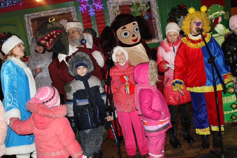 Остання в цьому році зустріч Діда Мороза з вінницькою малечею