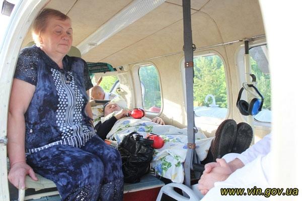 Вінницька санавіація вперше доправила пацієнта з важкою серцево-судинною патологією до Києва