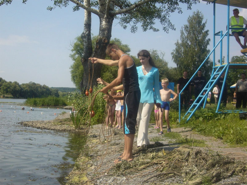 Дітям розповідають про правила поведінки на воді