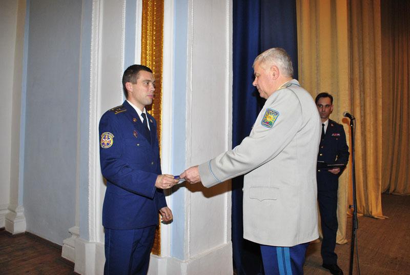 З нагоди 21-ї річниці Збройних Сил України кращих військовослужбовців нагородили грошовими преміями