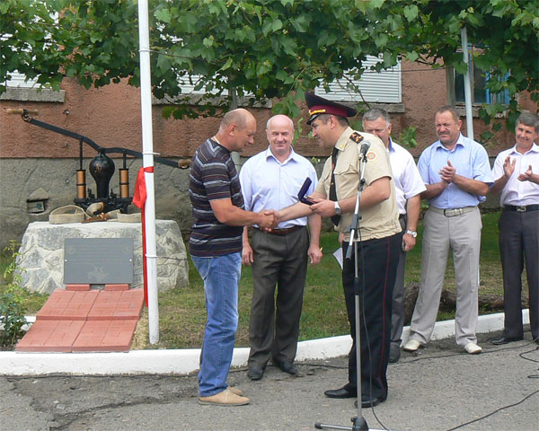 На Вінниччині встановили пам`ятник пожежному насосу