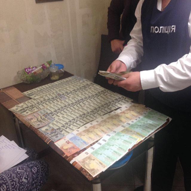 За звинуваченням в вимаганні та отримані хабарів затримані посадовці Укртрансбезпеки у Вінницькій області