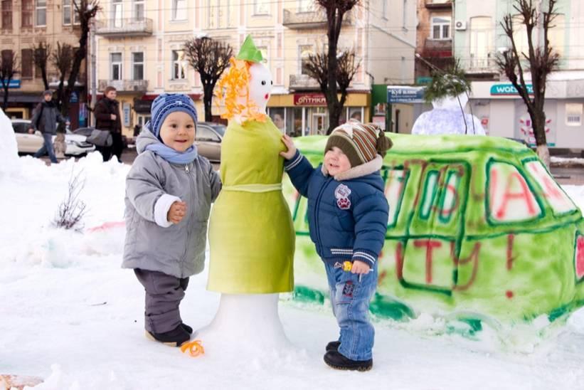 парад сніговиків