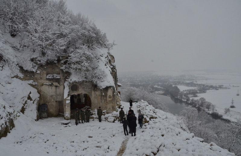 Свято-Усікновенсьий Лядівський скельний чоловічий монастир