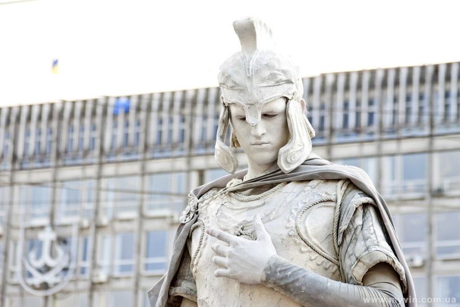 живі скульптури на Дні Європи у Вінниці