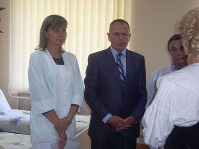 Микола Джига на відкритті оновленого пологового відділення у Могилів-Подільську