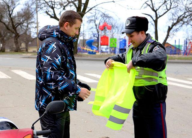 До 15 квітня ДАІ перевірятиме водіїв мопедів та мотоциклістів