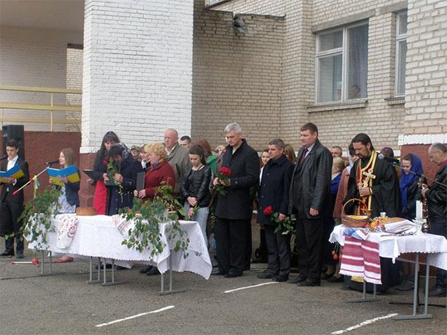 На Вінниччині відкрили меморіальні дошки у школі, де навчались двоє загиблих героїв АТО