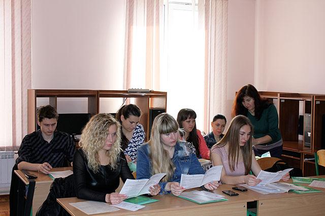 Про сучасні особливості декларування доходів спілкувалися податківці зі студентами