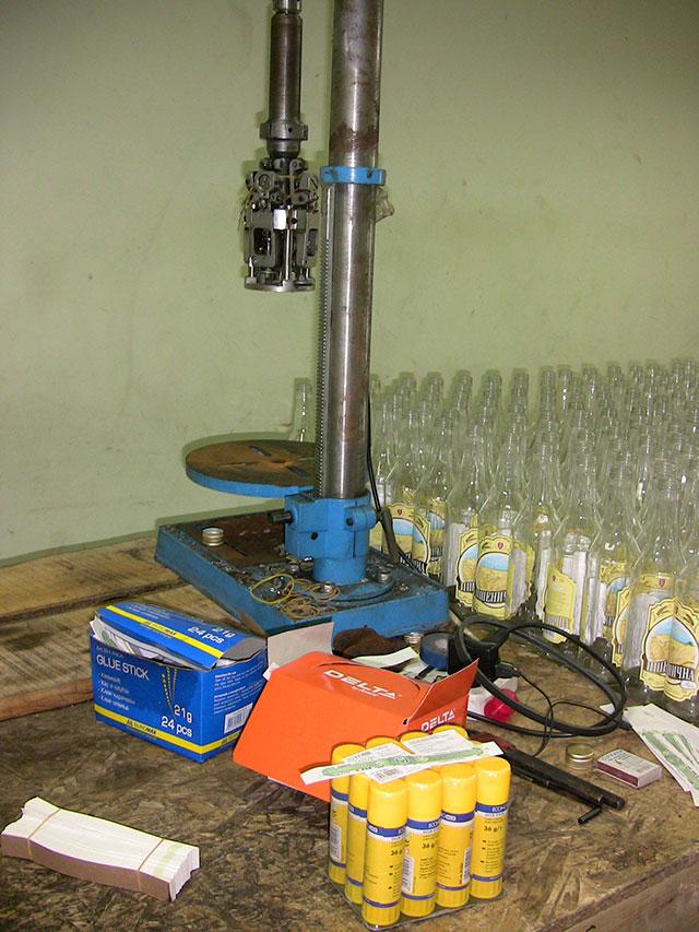 За виготовлення алкогольного фальсифікату суд присудив вінничанину 85 тис грн штрафу