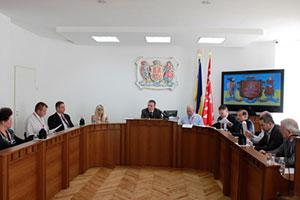 Депутати Вінницької міськради звернулись до Кабміну щодо підвищення прожиткового мінімуму та збереження пільгового проїзду до впровадження адресної грошової допомоги