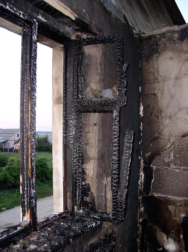 На Вінниччині  через коротке замикання загорівся будинок
