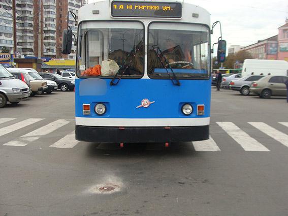 Вчора дві вінничанки потрапили під колеса громадського транспорту