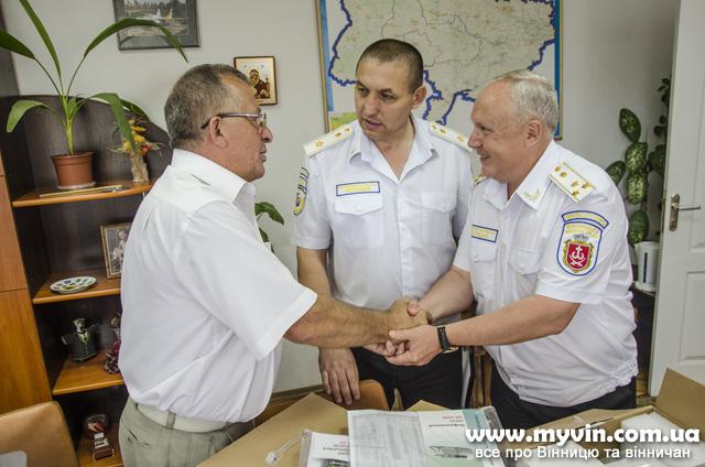 Для лікування поранених в АТО обладнання вінницькому військовому шпиталю передала Муніципальна поліція