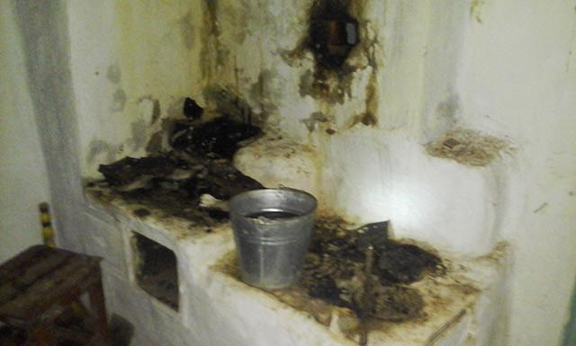 На Вінниччині через необережність господарів мало не згоріла кімната будинку