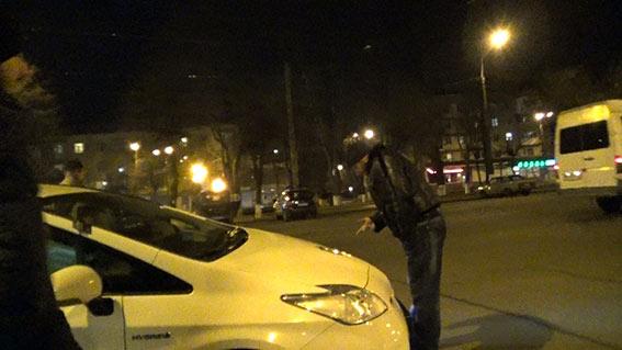 """По факту ДТП за участі автомобіля поліції та учасника ГО """"Дорожній контроль"""" розпочато розслідування"""