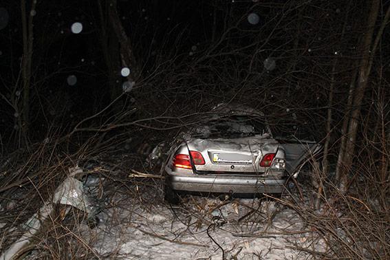 """У Вінницькому районі у ДТП загинув водій """"Мерседеса"""", пасажир іномарки у важкому стані"""