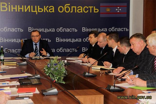 Близько 30 тис. безробітних планують залучити до громадських робіт по благоустрою на території Вінниччини