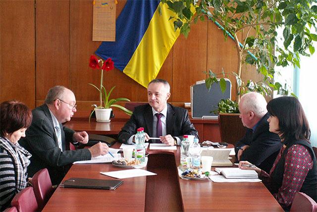 """В рамках проекту """"ПРОМІС"""" у Вінниці обговорили фактори, які впливають на розвиток бізнесу та стан інвестицій"""
