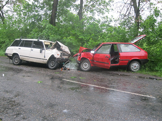 В п'ятницю, 13-го у ДТП на Вінниччині  загинуло двоє водіїв