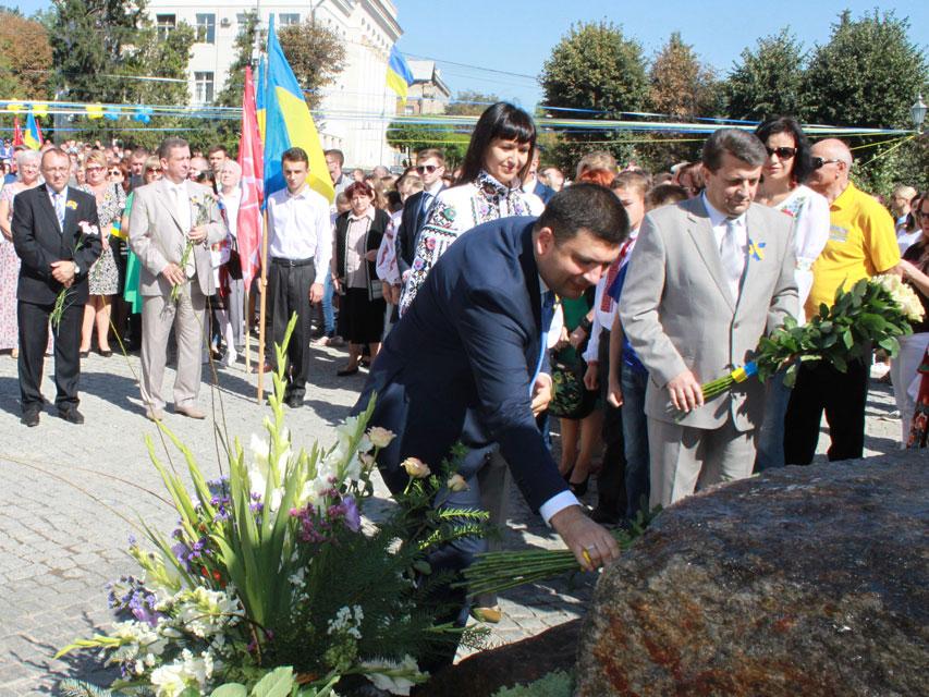 В переддень Дня Незалежності у Вінниці після реконструкції відрито площу Тараса Шевченка