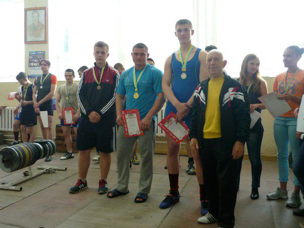 Вихованці МДЮСШ №5 посіли І командне місце на чемпіонаті міста з важкої атлетики