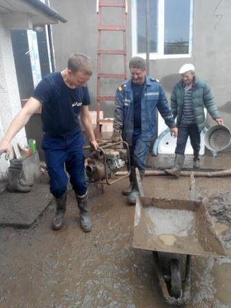 Сильні дощі підтопили подвір'я, криниці та підвали у Ямпільському районі
