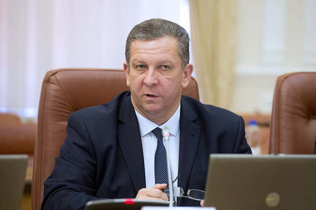 Міністр соціальної політики Андрій Рева розповів про те, що буде з пільгами і субсидіями