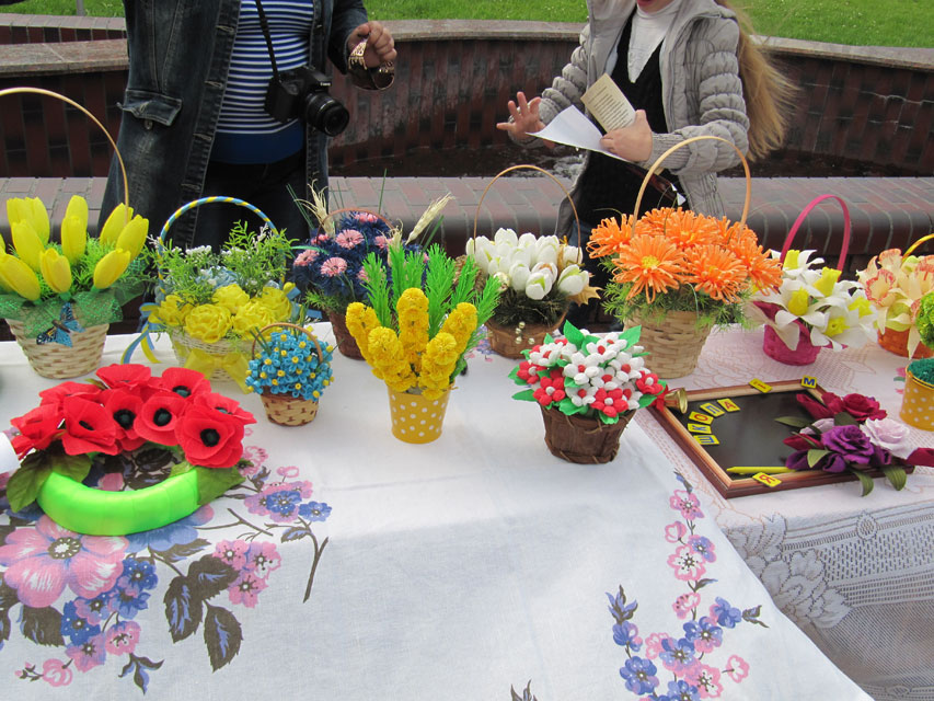 «Універ» відкрив свої двері для нових учнів акцією «Діти за мир в Україні»